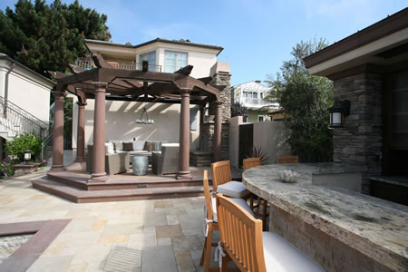 Manhattan Beach Pool with Water Feature Outdoor Kitchen &    Patio 5