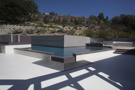Rolling Hills Negative Edge Pool with Elevated Spa 8